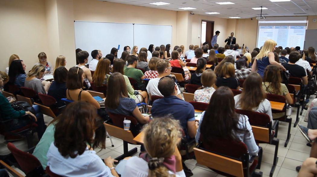 Apa Saja Wawasan yang Diperoleh Mahasiswa dari Kursus Bisnis Online?