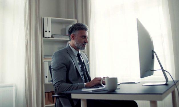 Wajib Tahu, Ini Dia 5 Kelebihan Kursus Online untuk Bisnis UMKM!